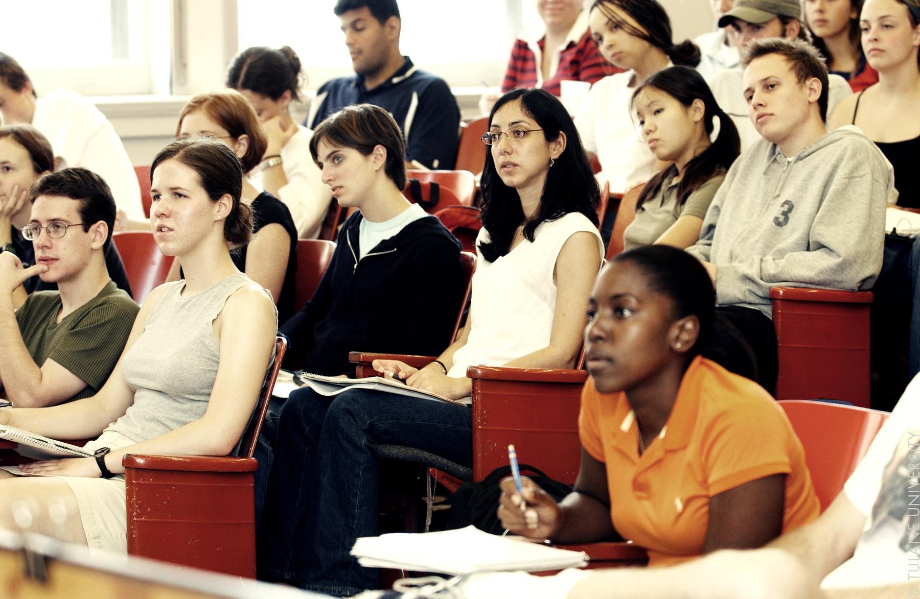 Crispy-Content-Blog-5-Wege-zum-Perfektionieren-der-eigenen-Content-Marketing-Skills-Students-in-Class-by-Tulane-Public-Relations-CC-BY-NC-2.0